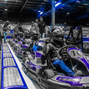 Cars in doos karting